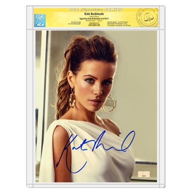 Kate Beckinsale Autographed Alluring 8x10 Studio Photo * CGC Signature Series